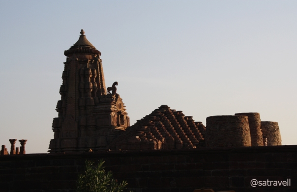 Literally meaning a Great Gorge, the Maha Nal or Menal temple was built by Chahamana Kings during the 11th century.