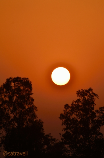 Sunset observed at the Yamuna riverbed