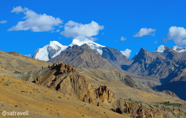 The Manerang massif and Dankhar bluff.