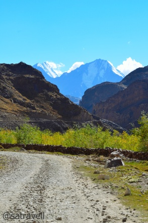 Climbing the Kunzum La