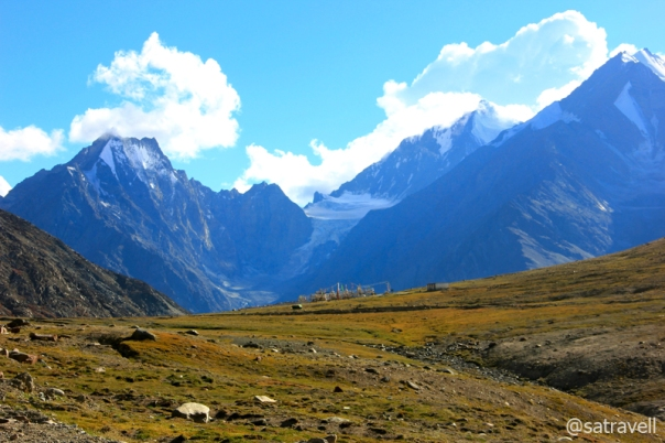 Mighty Kunzum La; wedged between CB peaks, the Dakka Glacier in the backdrop.