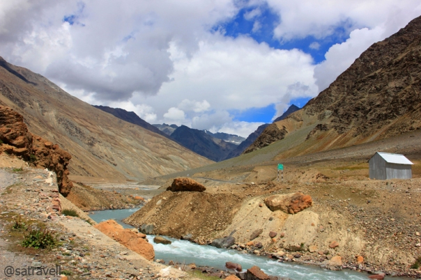 The confluence of Bhaga River and Panchi Nala and the hut