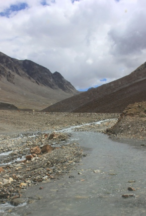 The motorway through the infant Bhaga River just short of Suraj Taal