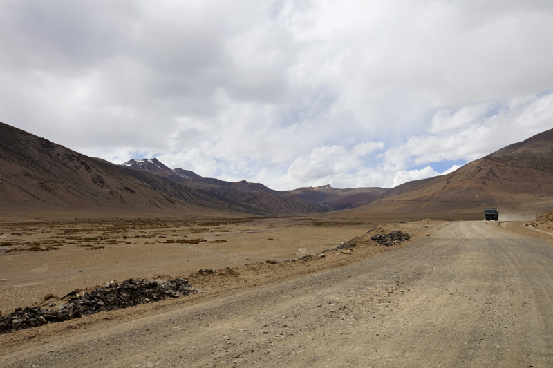 Final Climb, to the Tanlang La, on the Manali-Leh begins. Photo-credit Sarabjit Lehal