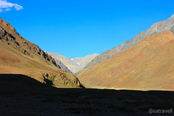 Shadow game on the Zanskar Range; near Tepuk