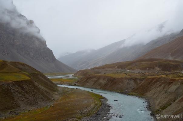 Through the Gamru Valley.