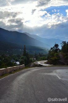 The highway to Srinagar