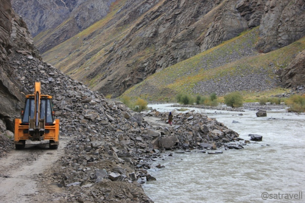 The unpredictable motor-trail near Parkachik in the Suru Valley