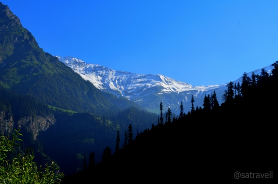The snow-capped Rohtang Range captured in the morning