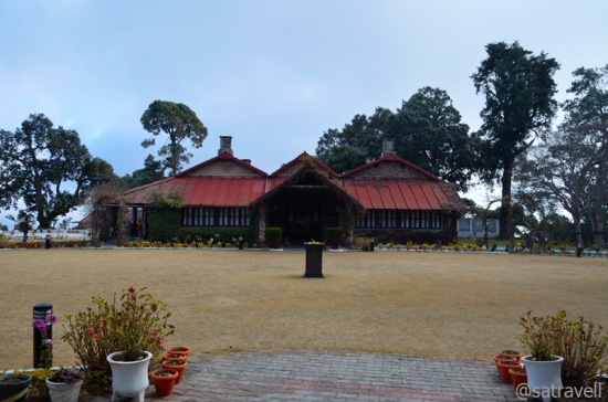 The impeccably managed antique building, now the Officer's Mess of Garhwal Rifles Regimental Centre, houses historical treasure in the form of military records, books, game trophies, etc. The building full of extravagantly lifestyle of the British was constructed in 1892.