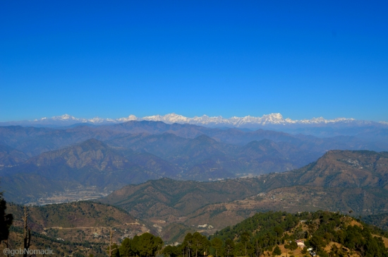 The vantage offered by Pauri ranges from the far-flung hills of Mussoorie to Chamoli regions.