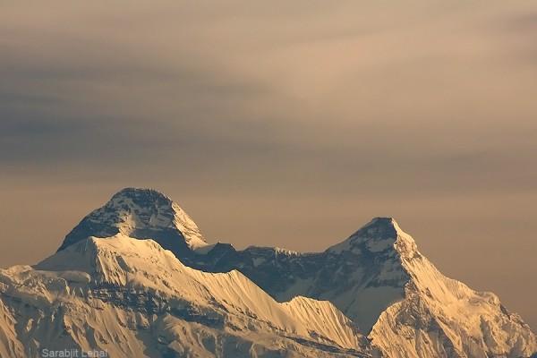The twin peaks of Nanda Devi. Nanda Devi (7816m) to the left and Nanda Devi East (7434m) towards the right. Photo Credit Sarabjit Lehal