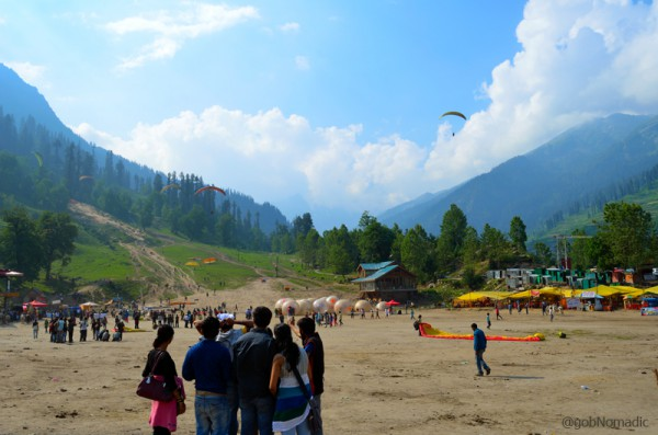 The activity site of Solang is popular with tourists round the year particularly in winters and summers.