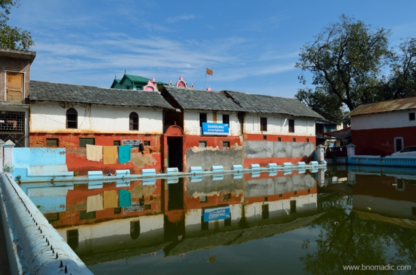Built before 1868, the Taal is said to form the core of Pragpur village. It was constructed by the village Nehar Committee that still continues to be responsible for its upkeep. The pond is surrounded by several olden structures like the Nehar Bhawan, Naun, Dhunichand Bhardial Serai and Radha Krishna Temple.