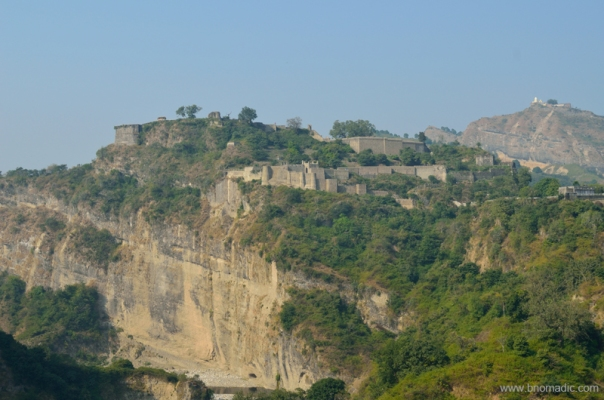 The Fort of Kangra and the Jayanti Devi temple in the backdrop