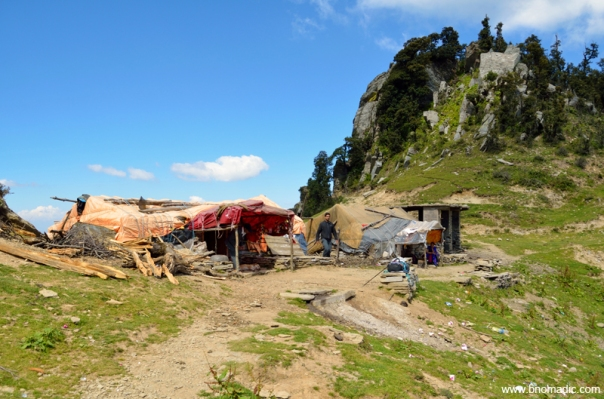 The teesri campsite on the ridge at 3258m
